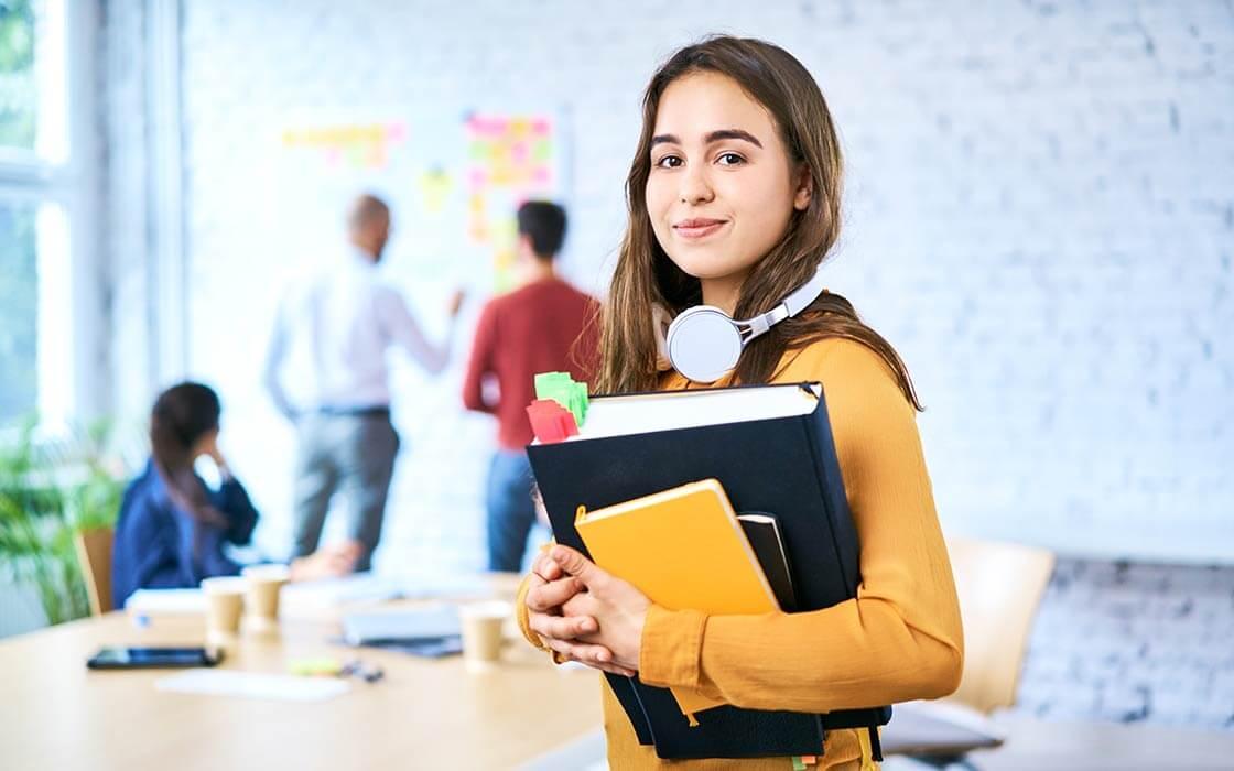 Wie lange dauert ein Bachelorstudium? ©baranq - stock.adobe.com
