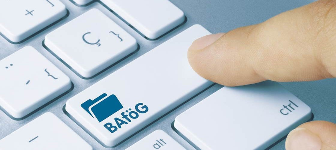 BAföG Antrag Online ©momius - stock.adobe.com