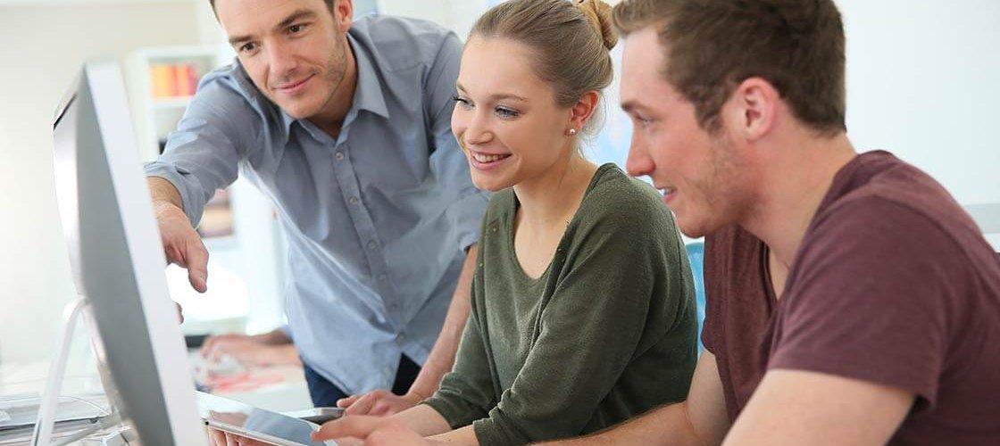 Ausbildungsgehalt: bestbezahlte Ausbildungen ©goodluz - stock.adobe.com